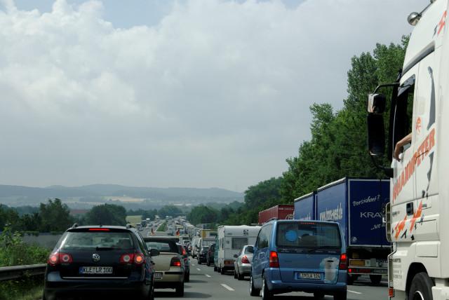 Anfahrt Rettungsdienst o. Ambulanz in der Schweiz zwischen Telefon und Ankunft