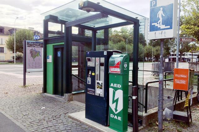 Defi Säulen nach Kärtner Vorbild für Schweizer GEmeinde und Kommune