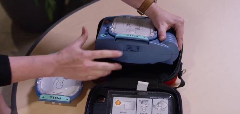 Laiengerechte Defibrillatoren AED dürfen von allen eingesetzt werden