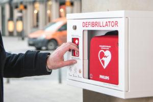 Wandschrank Public Access Defibrillation Gemeinde Schweiz Outdoor